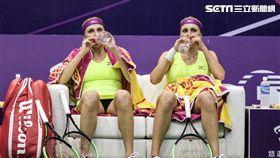 WTA台灣公開賽女雙基切諾克姊妹(Nadiia Kichenok Lyudmila Kichenok)。 圖/記者蔡宜瑾攝