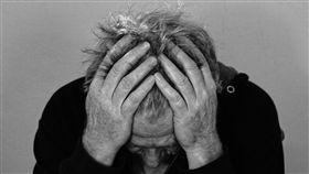 把提神飲料當水!6小時灌25瓶 結果他的大腦爆了… 頭痛,圖/翻攝自Pixabay