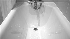 浴缸,洗澡,蓮蓬頭(圖/pixabay)