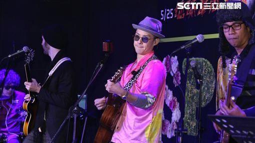 吳建豪出席2018春浪音樂節發佈會造勢