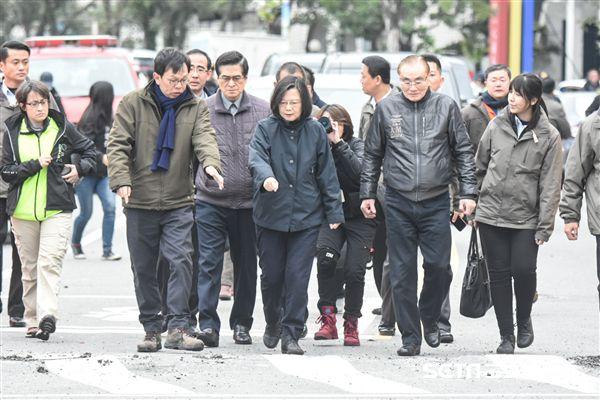 總統蔡英文前往花蓮勘災聽取簡報 圖/記者林敬旻攝