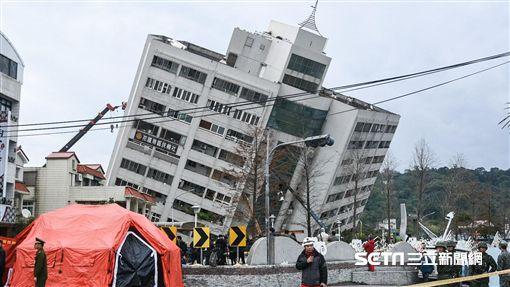 花蓮強震,雲門翠堤大樓現場。 圖/記者林敬旻攝