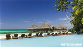 12生肖旅遊運勢,海島飯店,沙灘,海景。(圖/hotels.com提供)