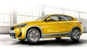 BMW X2跨界休旅車。(圖/翻攝 BMW網站)