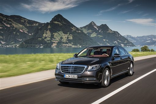 賓士二月推出多元優惠。(圖/Mercedes-Benz提供)