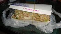 物價,便當,炒飯,炒麵,紙盒,佛心,美食 (圖/翻攝自臉書社團「我是楠梓人」)