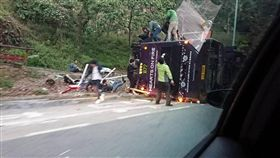 香港 巴士 翻車 圖/翻攝自香港突發事故報料區臉書