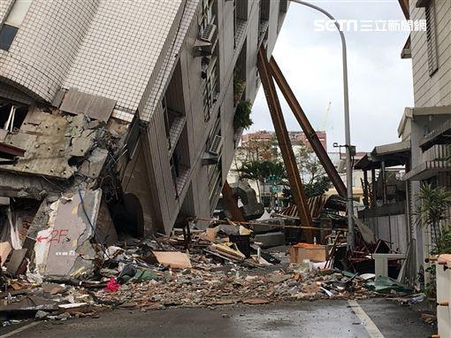 0211雲門翠堤大樓開挖、重機具準備進入/記者郭奕均攝