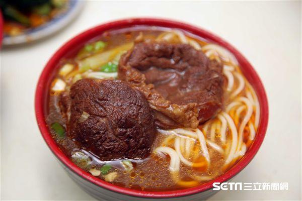 嘉義小吃,美食,溫家川味牛肉麵。(圖/記者簡佑庭攝)