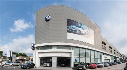 維修優惠還有代步車,福斯汽車提供災區完善服務。(圖/Volkswagen圖供)