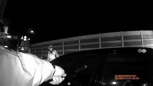 新北市,板橋,浮洲橋,篤行路,酒駕,拒檢逃逸,翻攝畫面,警方提供