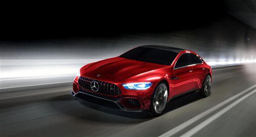 AMG GT4門版車型偽裝車。(圖/翻攝Mercedes-AMG網站)