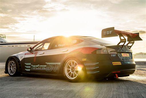 Tesla Model S P100D競技版。(圖/翻攝greencarreports網站)
