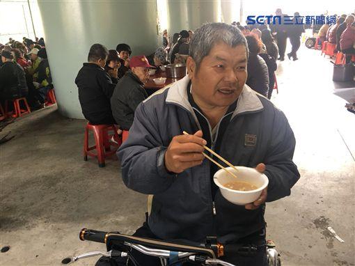 「刈包吉」廖榮吉,愛心宴免費請街友吃尾牙
