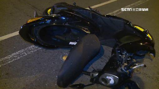 老翁撞騎士太緊張 油門誤當剎車踩衝進檀香店