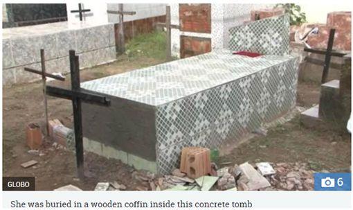 巴西一名女子被家屬誤認死亡生葬,在棺材裡掙扎11天後不幸身亡。(圖/翻攝The Sun)