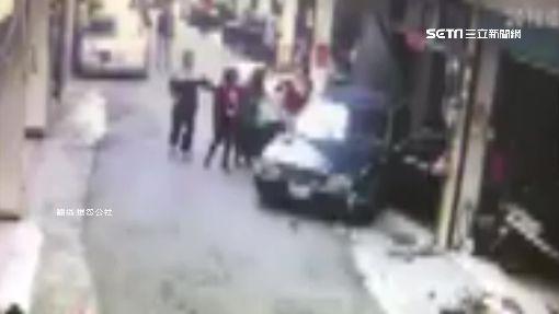 鄉代夫開車爆衝 撞民宅又撞轎車釀1傷