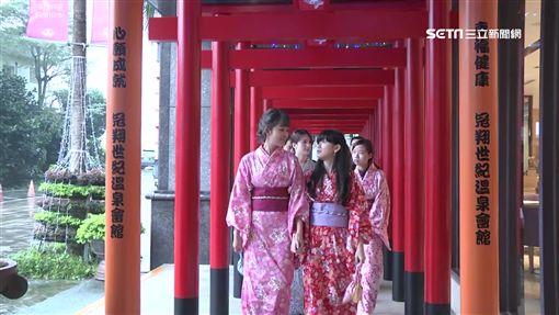 大地最美紅地毯! 紅藜熟成轉色7彩吸目光
