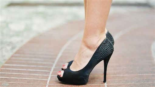高跟鞋,腳,女鞋,小腿(圖/Pixabay)