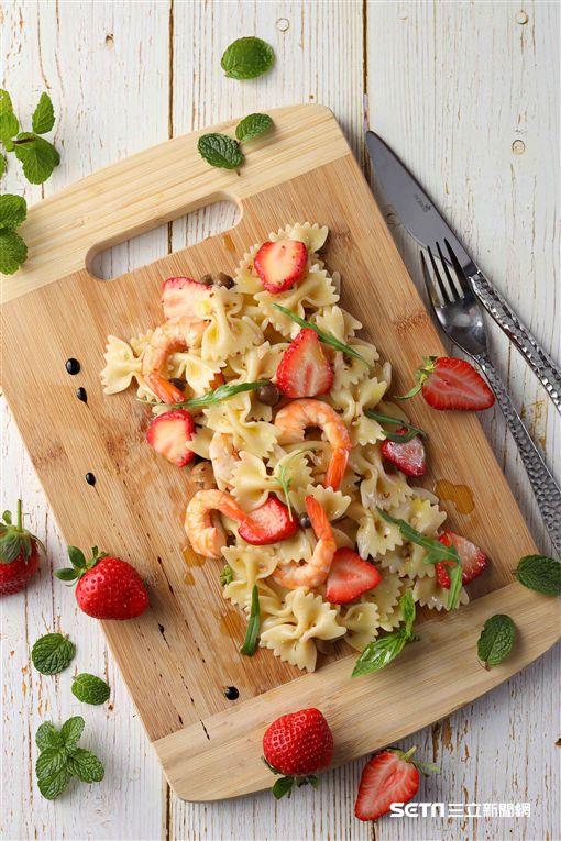 莓好時光,草莓料理。(圖/50樓Café提供)