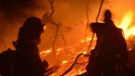 雲南長蟲山森林大火,動員逾200人搶救(示意圖/翻攝自微博)