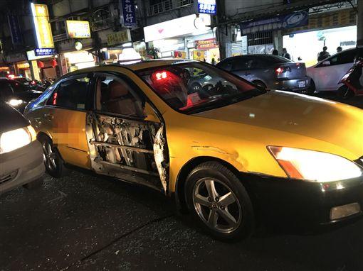 新北,汐止,車禍,計程車,貨車,車門