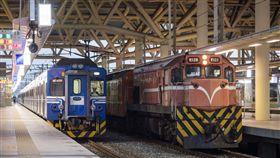 台鐵、區間車、潮州車站/flickr/billy1125/https://flic.kr/p/FfAxyQ