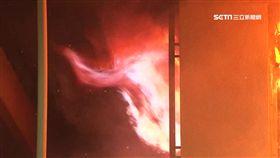 暗夜惡火奪三命! 房間尋獲兩男一女成焦屍 火災,大火,失火,民宅(示意圖)
