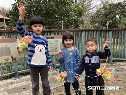 壽山動物園舉辦元宵活動,可免費兌換高雄燈會小提燈。(圖/高雄觀光局提供)