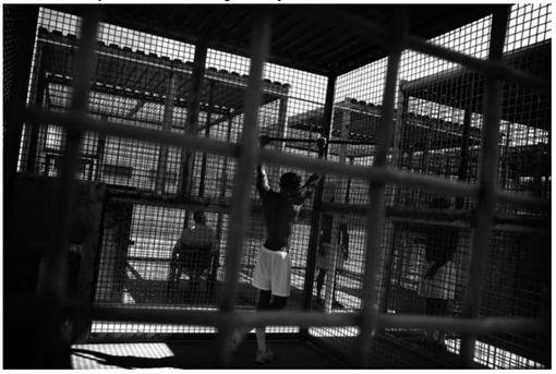 全美最可怕的鵜鶘灣監獄,讓不少囚犯進去後想求死。(圖/翻攝洛杉磯時報)