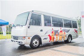 台灣戴姆勒亞洲商車(DTAT)捐贈總值超過400萬Rosa巴士及Canter卡車協助消防署投入防救災工作