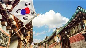 (業配) 韓國從2月到5月,天氣逐漸回暖,百花陸續盛放,正是春遊踏青的好時節!大都會旅行社精心推薦超值玩瘋韓國六日,含稅只要10,888元起,就能輕鬆成行,玩得省錢又開心。