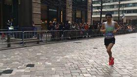 前奧運國手張嘉哲在東京馬拉松破台灣紀錄。(圖/擷取自馬拉松攝旅臉書)
