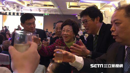 呂秀蓮出席民進黨市黨部春酒談柯文哲 盧冠妃攝