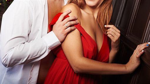 性愛、做愛、情侶、約炮、調情/pixabay