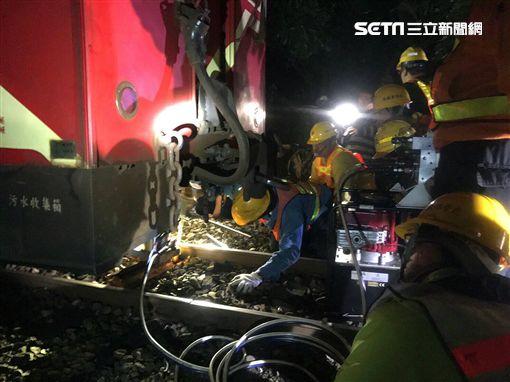 阿里山森林鐵路,出軌,交通部,台灣鐵路管理局,阿里山森林鐵路管理處,停駛,檢修