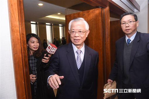 中央銀行新卸任總裁交接,卸任總裁彭淮南。 圖/記者林敬旻攝
