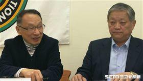 ▲足協現任副理事長龔元高(左)與劉福財。(圖/記者林辰彥攝影)