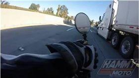 摔車,卡車,車禍,Hammy dawg,輪胎 圖/翻攝自IG