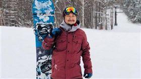 九把刀趁著農曆新年假期赴日滑雪。(圖/翻攝自九把刀臉書)