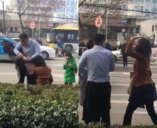 微博影/路上外遇被抓包!渣男竟打20年老婆 反被小三巴頭