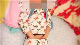 男生,睡覺,抓雞雞,保暖,潛意識,爆料公社,爆廢公社 圖/翻攝自臉書爆料公社官網
