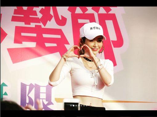 愷樂,胡蝶姐姐(圖/IG https://www.instagram.com/p/Bf3K81vhXwO/?hl=zh-tw&taken-by=butterfly092288)