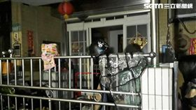 台北市內湖區發生一家四口一氧化碳中毒送醫事件(翻攝畫面)