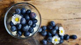防癌,抗癌,大蒜,蘋果,蔓越莓,藍莓,高麗菜,紅蘿蔔,花椰菜/Pixabay