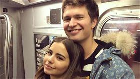 安索艾格特(右)經常在IG與女友曬恩愛。(圖/翻攝自安索艾格特IG)