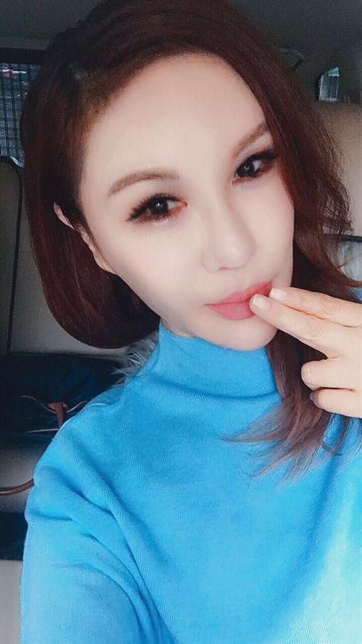 利菁即將發行新EP直接嗆聲謝金燕。(圖/翻攝自利菁臉書)