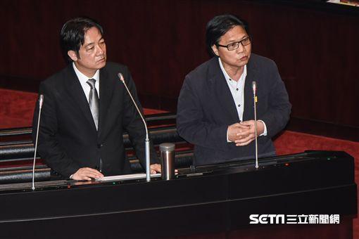 內政部長葉俊榮前往議場接受備詢。 圖/記者林敬旻攝 ID-1270740