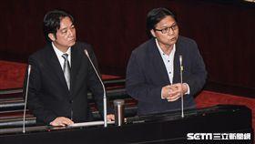 內政部長葉俊榮前往議場接受備詢。 圖/記者林敬旻攝