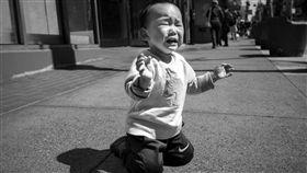 16:9 虐待 孩童 哭泣 暴力 虐童 (圖/攝影者vhines200, Flickr CC License) https://flic.kr/p/VgSDej